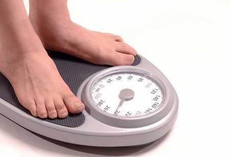 cara menghitung berat badan yang ideal untuk laki-laki dan perempuan